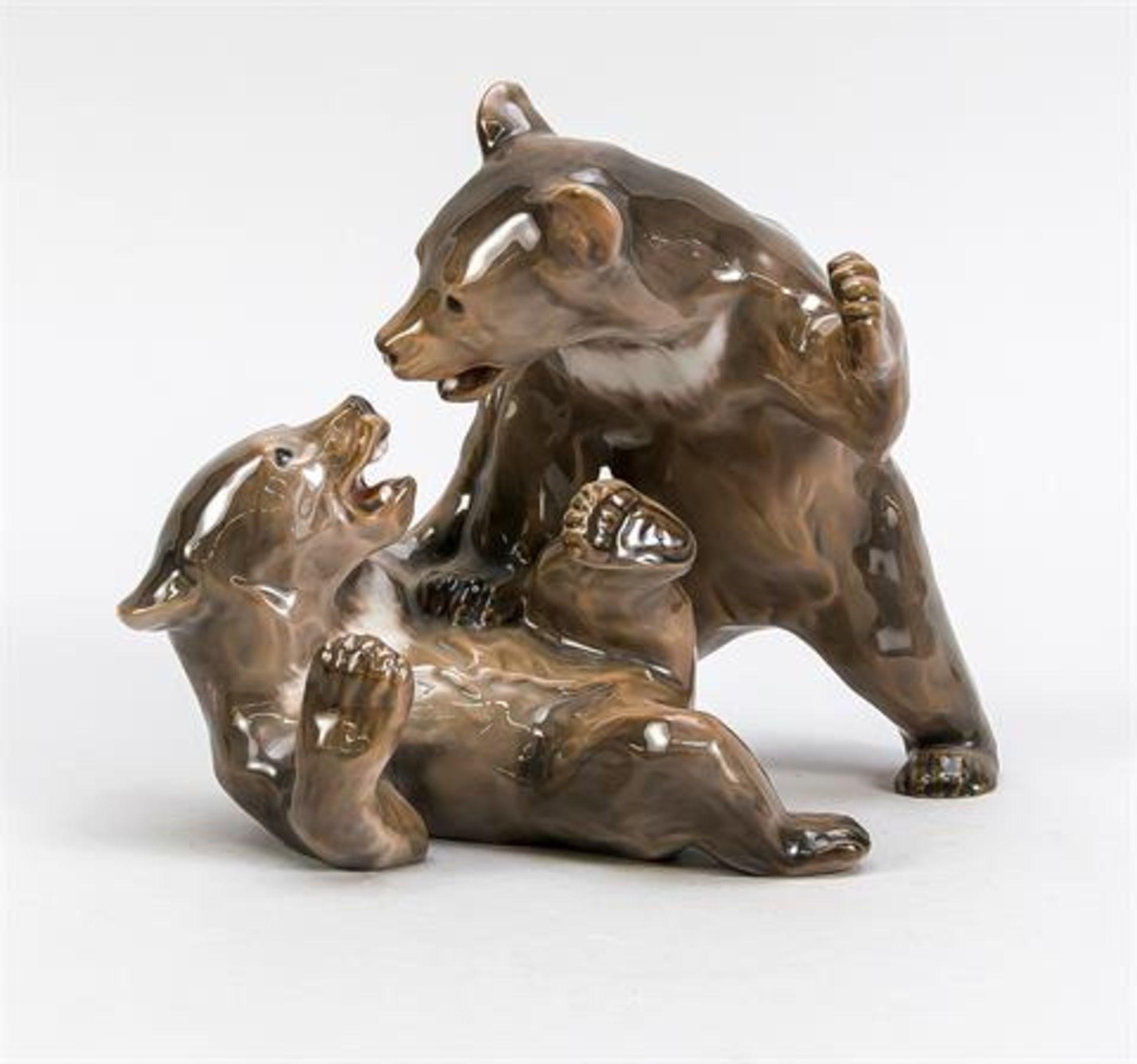 Zwei Kämpfende Bären, Bing & Gröndahl, 1950er Jahre, Modellnr. 1825, naturalistisch staffiert in