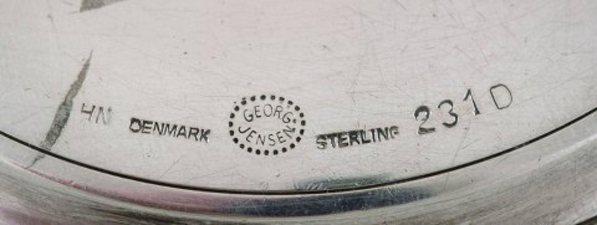 Harald Nielsen for Georg Jensen. Art deco Puderdose. Silber. Ca. 10cm. . - Image 3 of 3