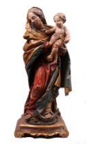 Madonna mit Kind. Deutsch, nach 1900. Holz, vollrund geschnitzte und gefasste Figur der Gotte