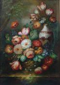 Unbekannt 20. Jh. Stillleben. Üppiges Blumenarrangement in einem Korb und einer Vase. Rechts