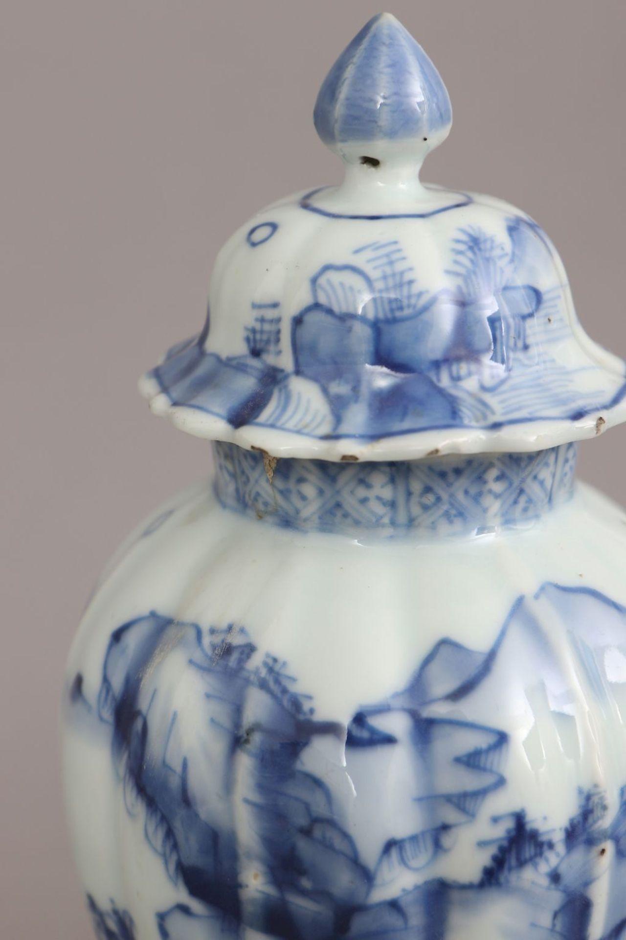 Chinesisches Vasengefäß mit Blaumalerei - Bild 4 aus 5