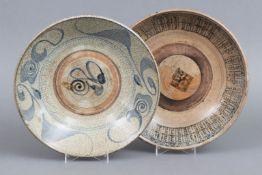 2 chinesische Teller der Ming Dynastie (1368-1644) für den südostasiatischen Markt