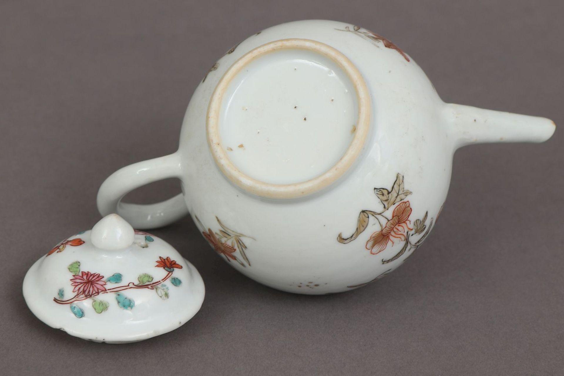 Kleines chinesisches Zeremonial-Teekännchen des 18. Jahrhunderts (Qing Dynastie) - Image 5 of 5