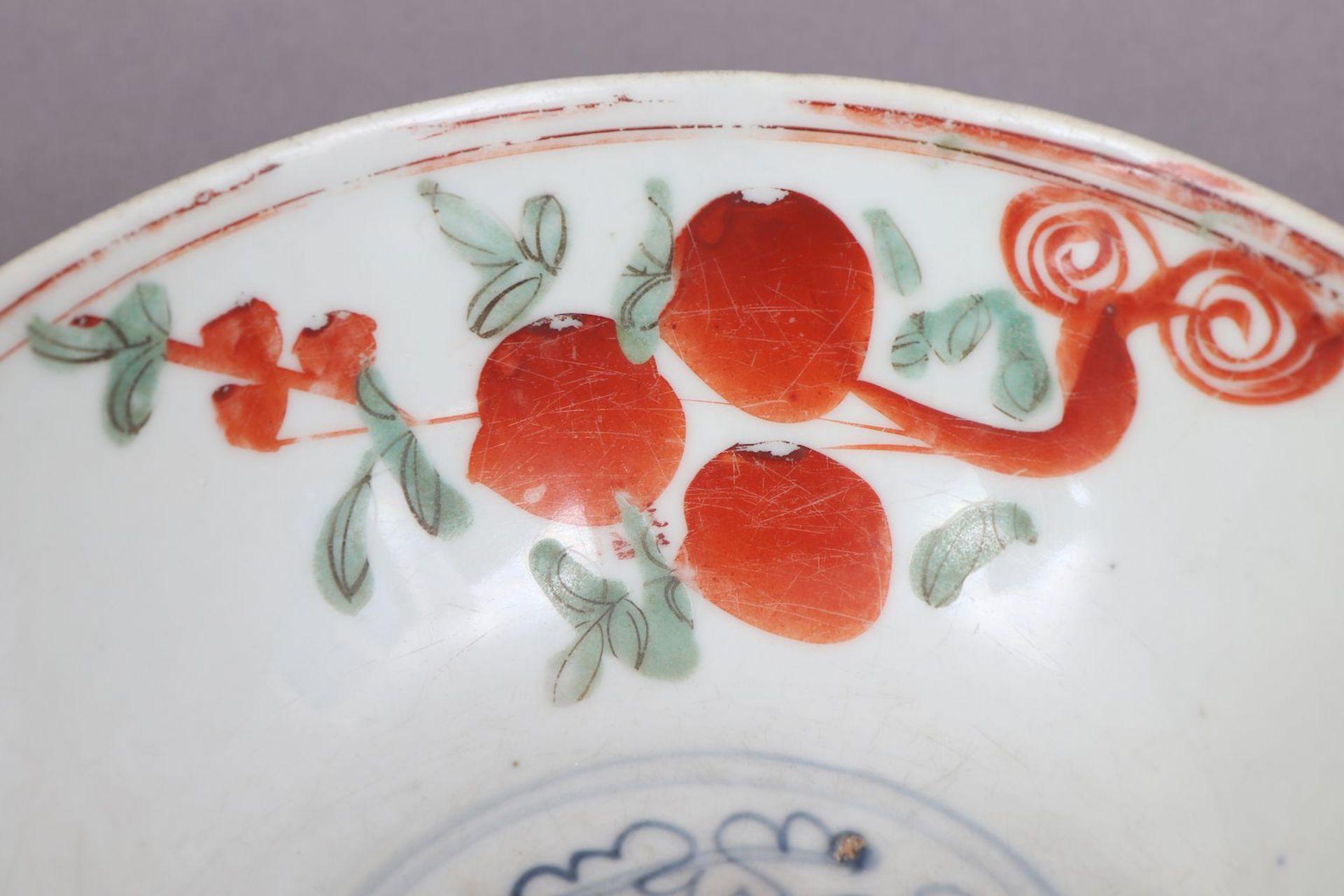 Chinesische Porzellanschale mit Pfirsichdekor - Image 2 of 5