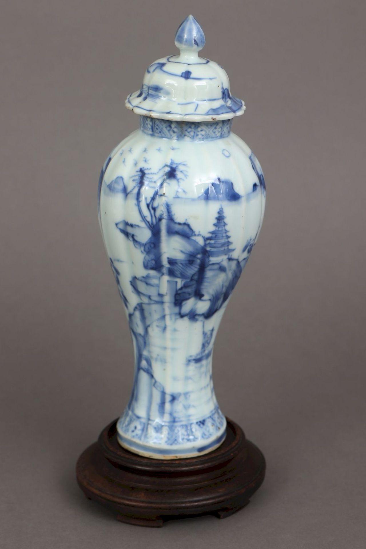 Chinesisches Vasengefäß mit Blaumalerei - Bild 2 aus 5