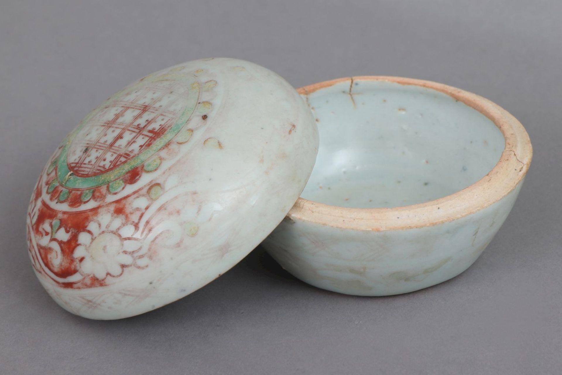 Chinesische Porzellan-Deckeldose - Image 2 of 4