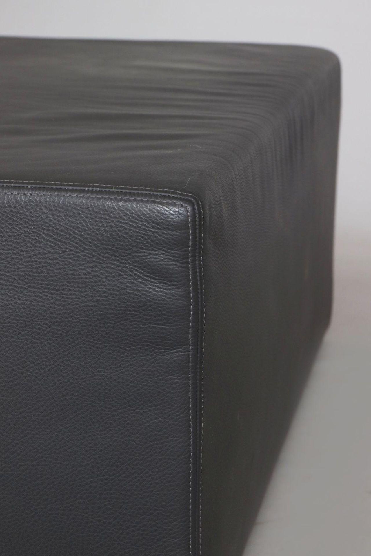 Leder-Pouf (Sitzmöbel oder Couchtisch) - Image 3 of 3