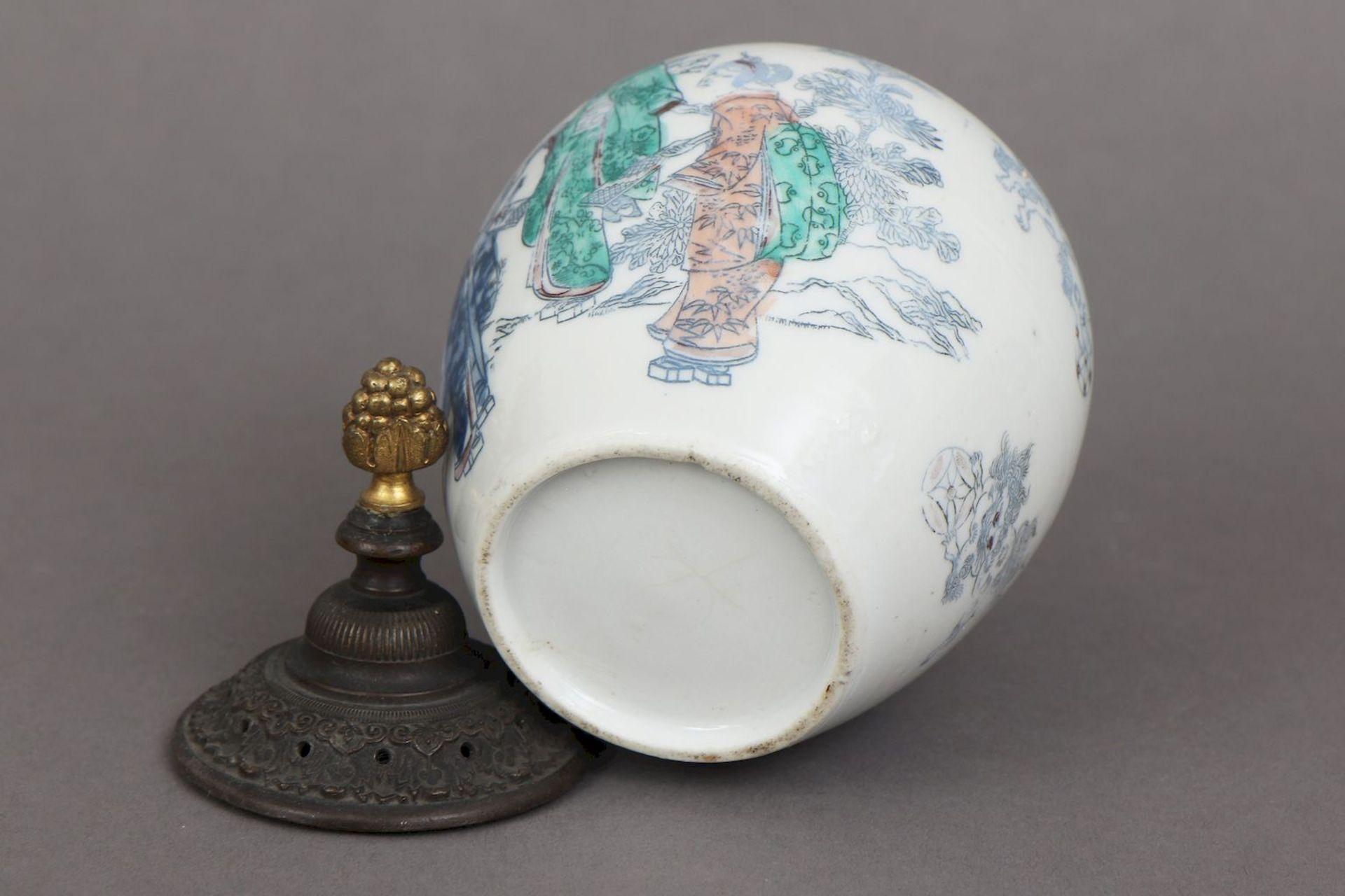 Chinesisches Deckelgefäß - Bild 3 aus 5