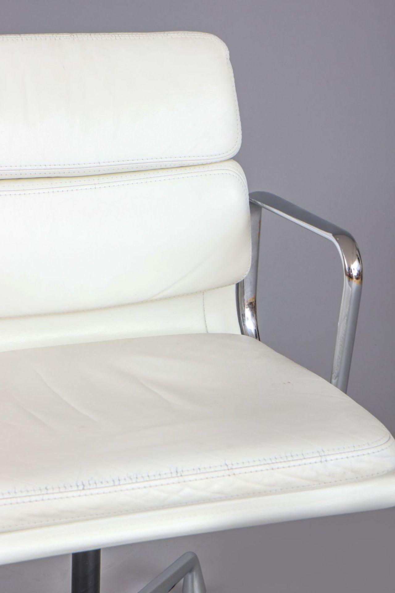 CHARLES & RAY EAMES Aluminium Chair - Soft Pad - EA 208 - Image 3 of 3