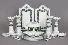 MEISSEN Porzellankonvolut2. Hälfte 20. Jahrhunderts, Form ¨Neuer Ausschnitt¨, unterglasurgrünes ¨
