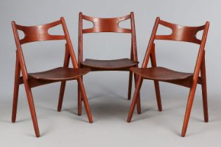 3 HANS WEGNER ¨Sawbuck Chairs¨ (Modell ¨CH29¨)