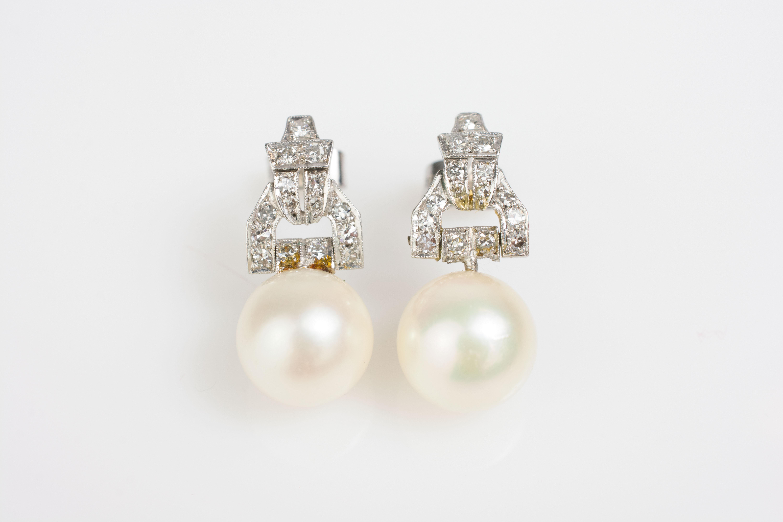 Paar Ohrstecker mit Perlen und Diamantbesatz im Art déco-Stil