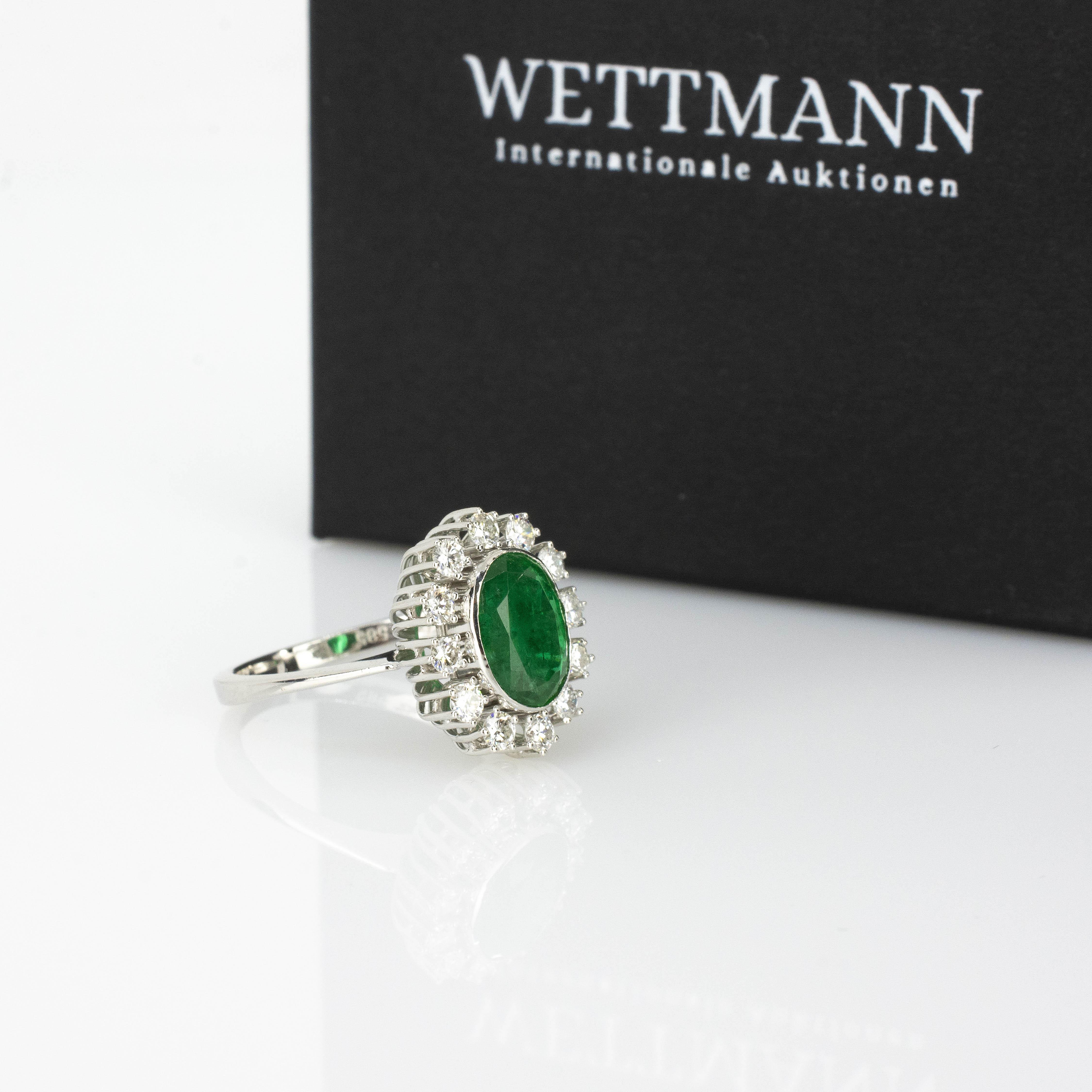 Entourage-Ring mit zentralem Smaragd - Image 2 of 2