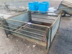 SQUARE SILAGE FEEDER