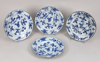 4 Teller aus Porzellan, China, Kangxi-Periode (1654-1722), Porzellan blaugrauer Scherben