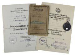 Zwei Ordensverleihungen, Soldbuch u. Medaille, WK I u. WK II: Verleihungsurkunde Kampfabzeichen