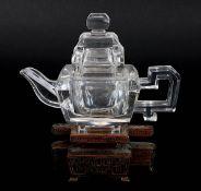 Teekanne aus Bergkristall, China um 1920, viereckige Kanne mit Deckel aus 2 Bergkristallblöcken