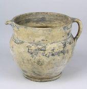 Keramik-Henkeltopf, römisch / provinzialrömisch, auf der Töpferscheibe gedreht, heller Scherben, H