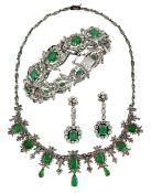 Weißgold-Parure mit Smaragden und Diamanten, Deutschland um 1950, 14-karätiges, handgefertigtes Weiß