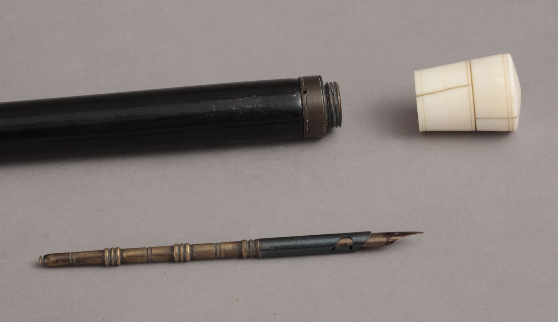 A 19th century ivory handled walking stick - Bild 3 aus 7