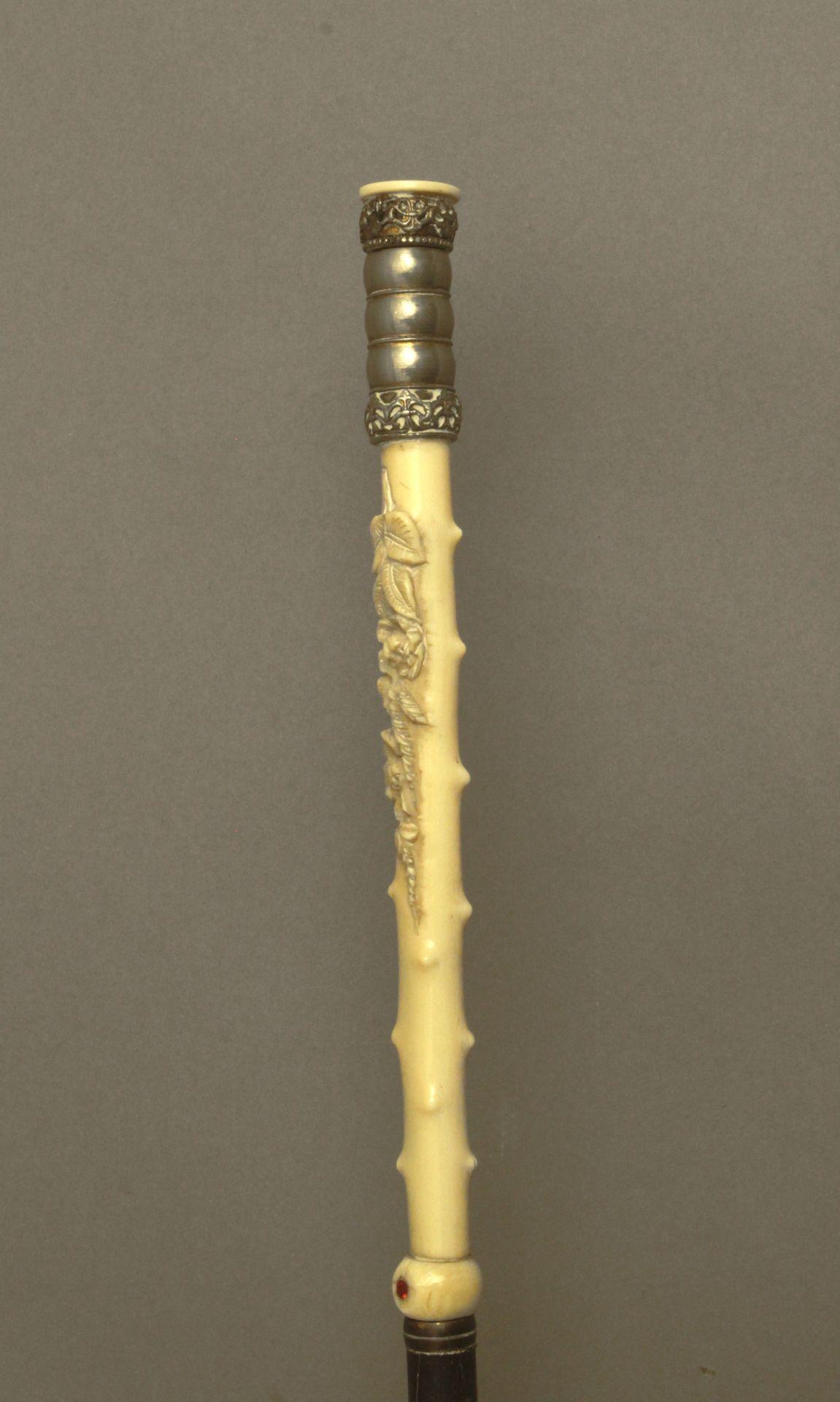 An ivory handled walking stick circa 1900 - Bild 2 aus 9