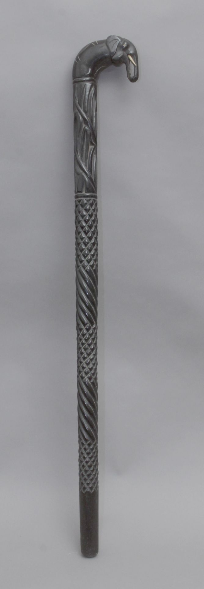 An Anglo-Indian walking cane, possibly from Ceylan, circa 1900 - Bild 2 aus 9
