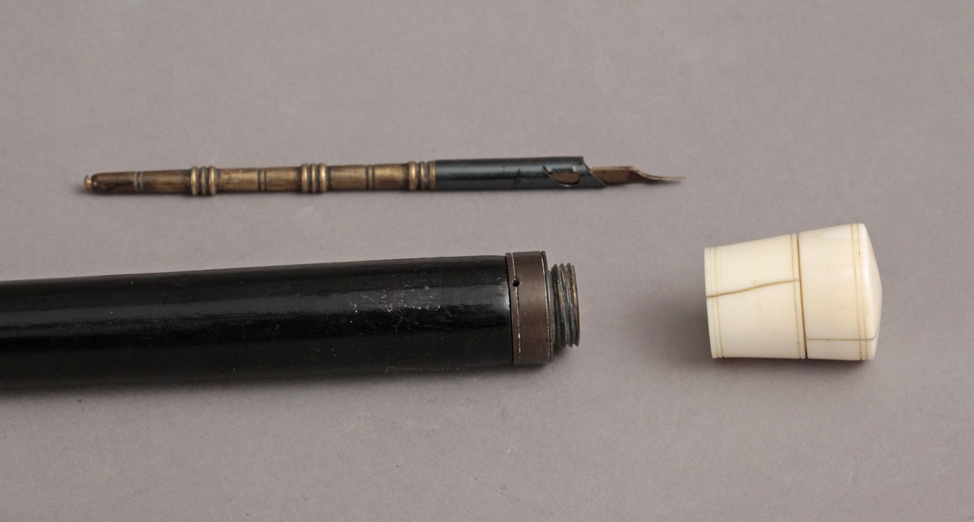A 19th century ivory handled walking stick - Bild 7 aus 7