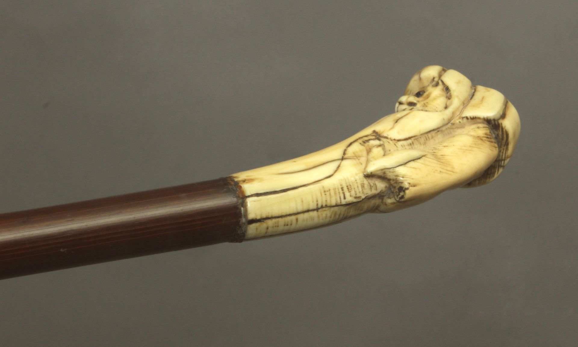 A 19th century ivory handled walking stick - Bild 4 aus 9