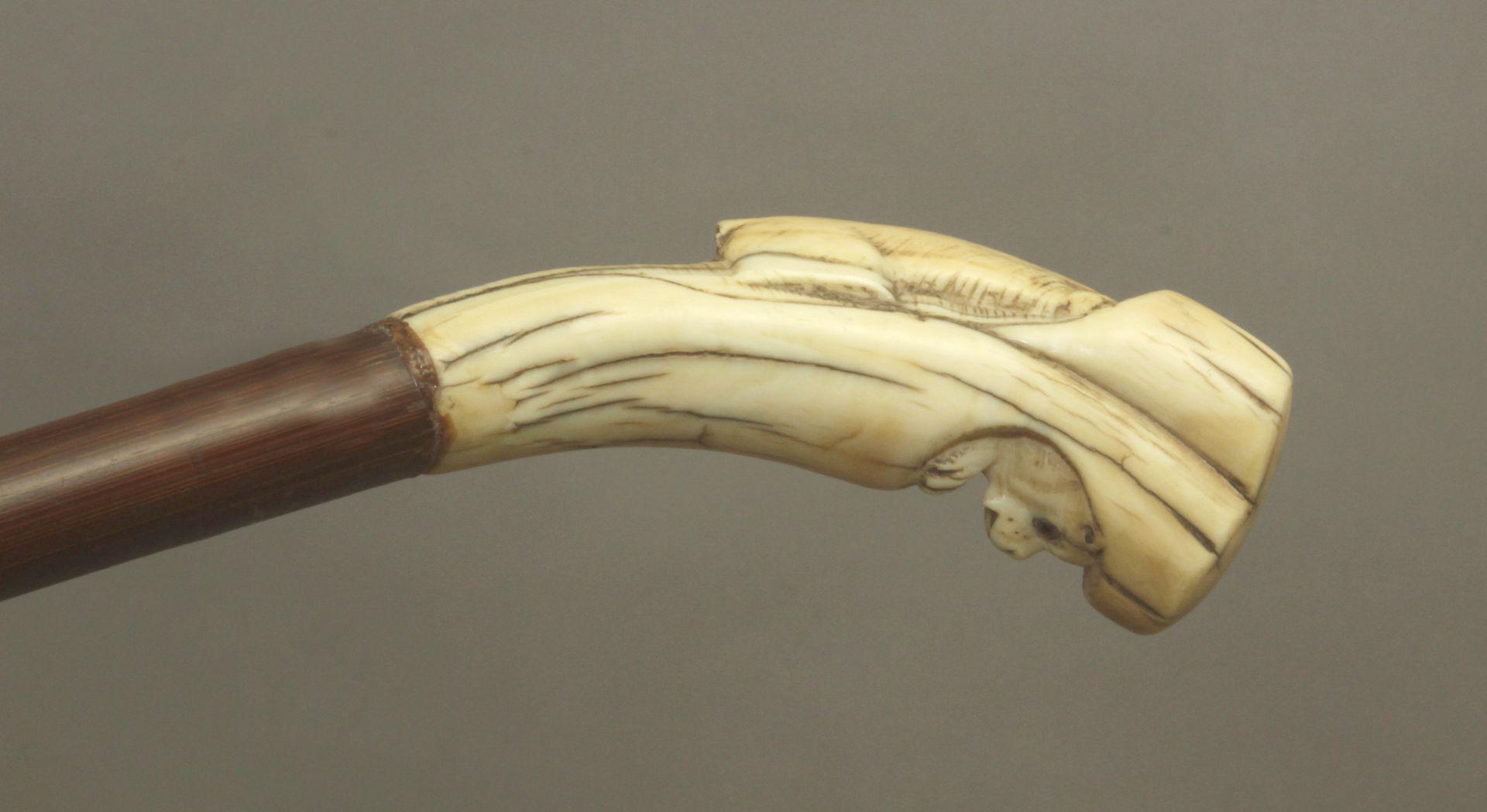 A 19th century ivory handled walking stick - Bild 6 aus 9
