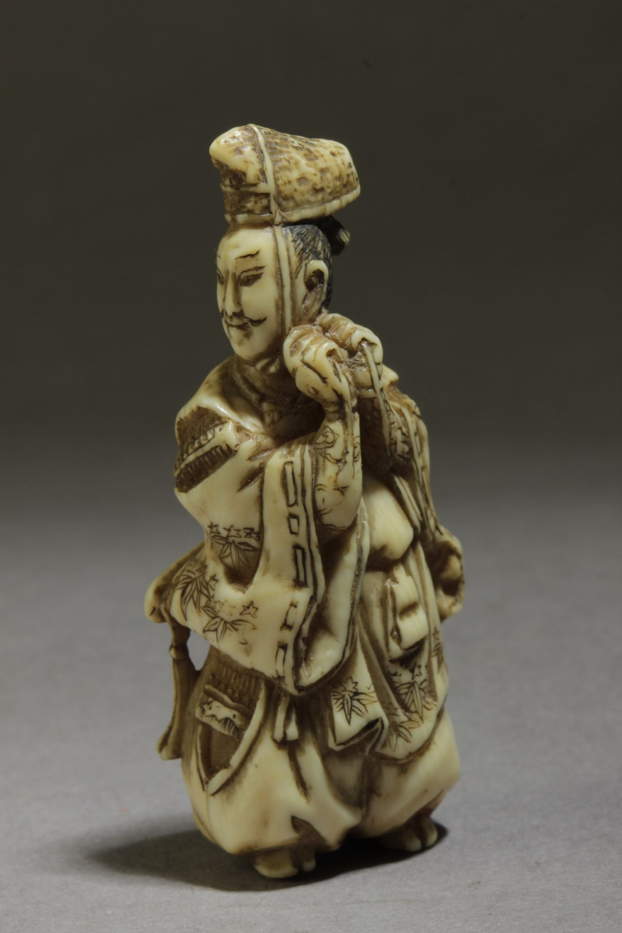 A 19th century Japanese netsuke from Edo period. Signed Shosai