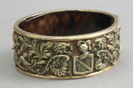 Fuset i Grau attrib. A late 19th century gold and tortoiseshell bracelet