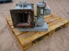 Rotolock 20RNSCM02 Rotary Valve, with motors, loading free of charge – yes, item located in Leyland,