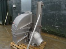 Stainless Steel Covers, approx. 130cm x 134cm x 57cm / 172cm x 70cm x 96cm (understood to be for