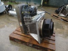 Complete Fan, approx. 78cm x 92cm x 60cm (understood to be good condition), loading free of charge –