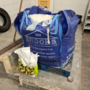 Quantity of Rock Salt, as set out in 1000kg tote b