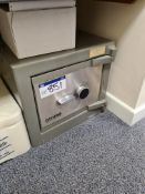 Chubb Steel Combination Security Safe, serial no. PZ 731842, approx. 500mm x 450mm x 500mm high
