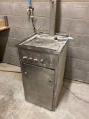 Vemec 225-30 Spray Gun Washer, serial no. 0204, ye