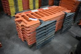 Approx. 15 Oxford Plastics Avalon Plastic Barriers, each approx. 1.8m long