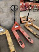 Linde 2000kg Hand Hydraulic Pallet Truck, forks ap