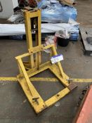 Fork Lift Truck Barrell Clamp. Please read the following important notes:- Assistance will be
