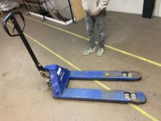 Matlock Hand Hydraulic Pallet Truck, 2500kg capacityPlease read the following important notes:-