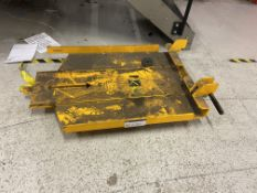 Jungheinrich fork lift truck battery attachment Please read the following important notes:-