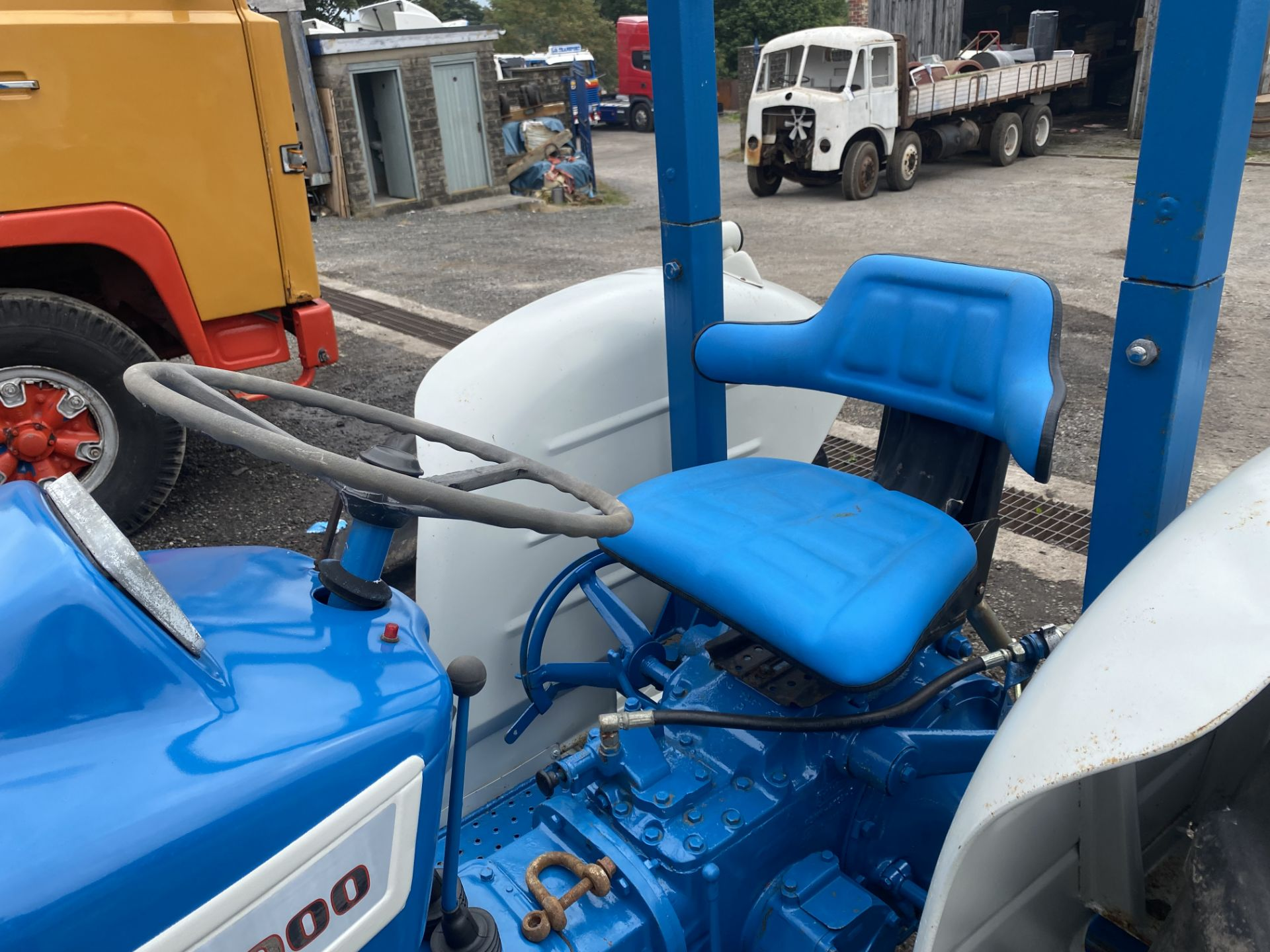 Ford 2000 Agricultural Tractor, vendors comments – nice original condition, clutch is stuck on - Image 7 of 9