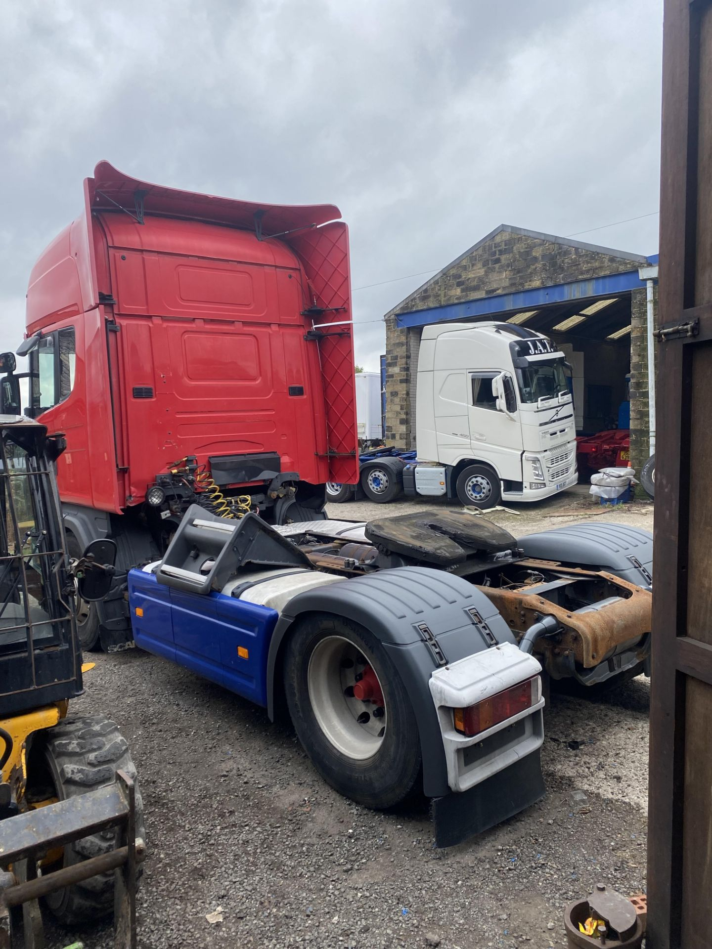 Scania 144 530 4X2 CLASSIC TRACTOR UNIT, registration no. Y281 TDA, date first registered 01/03/ - Image 5 of 19