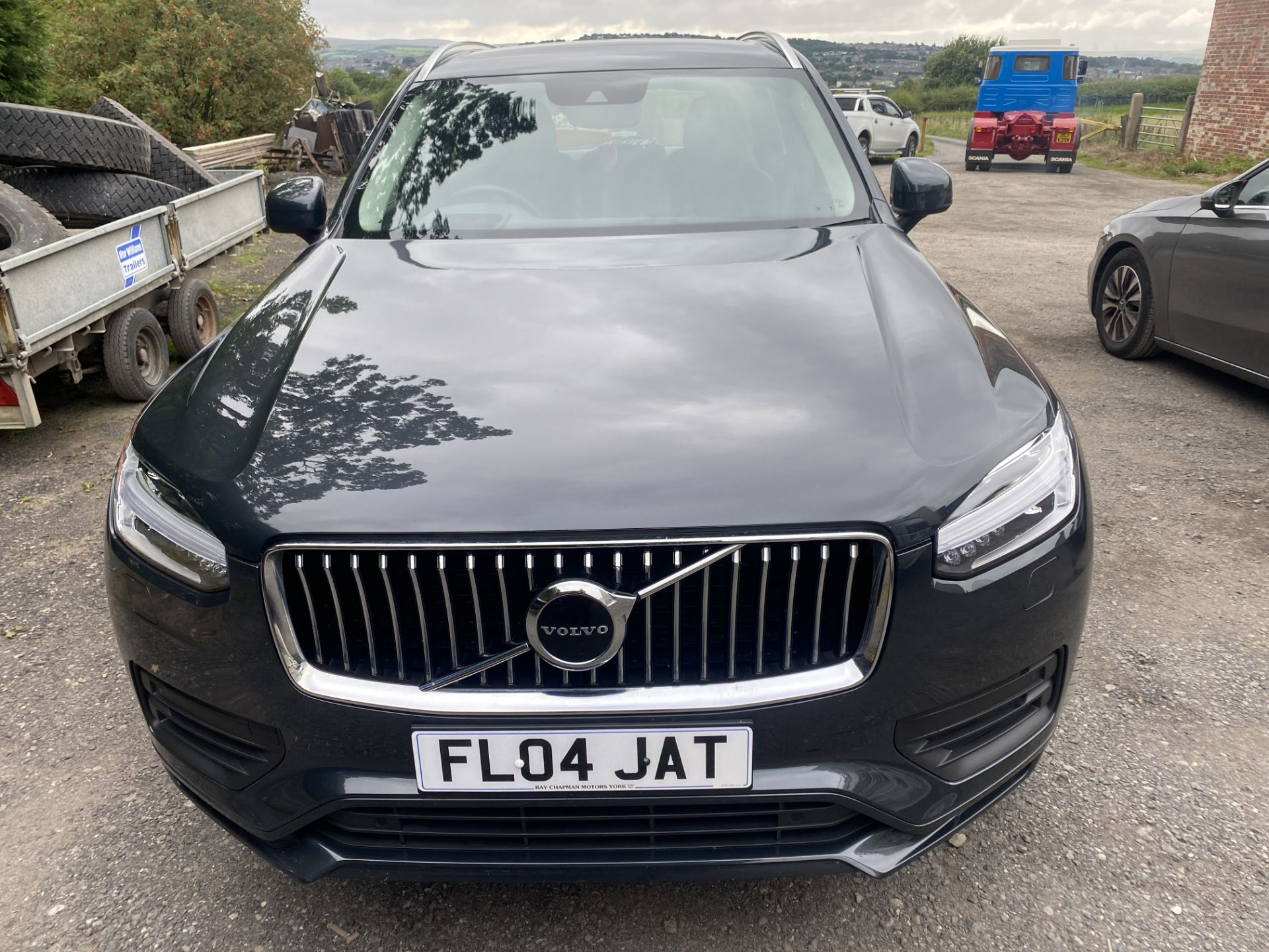 VOLVO XC90 MOMENTUM PRO B5 AWD DIESEL AUTO SUV, registration no. KF69 GWP, date first registered - Image 6 of 12