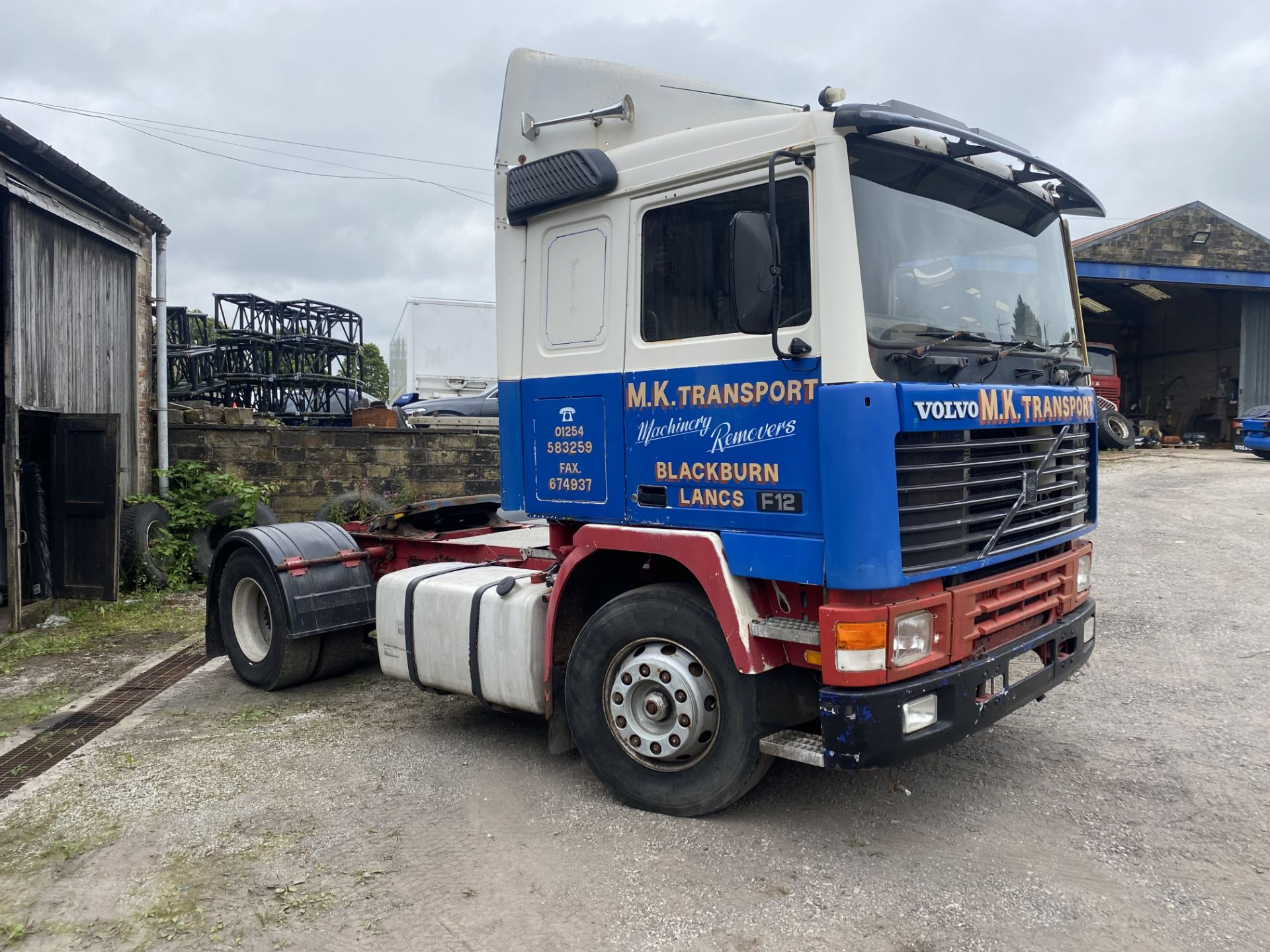 Volvo F12 400 4x2 Tractor Unit, registration no. H81 HKC, date first registered 01/01/1991, for - Image 2 of 21