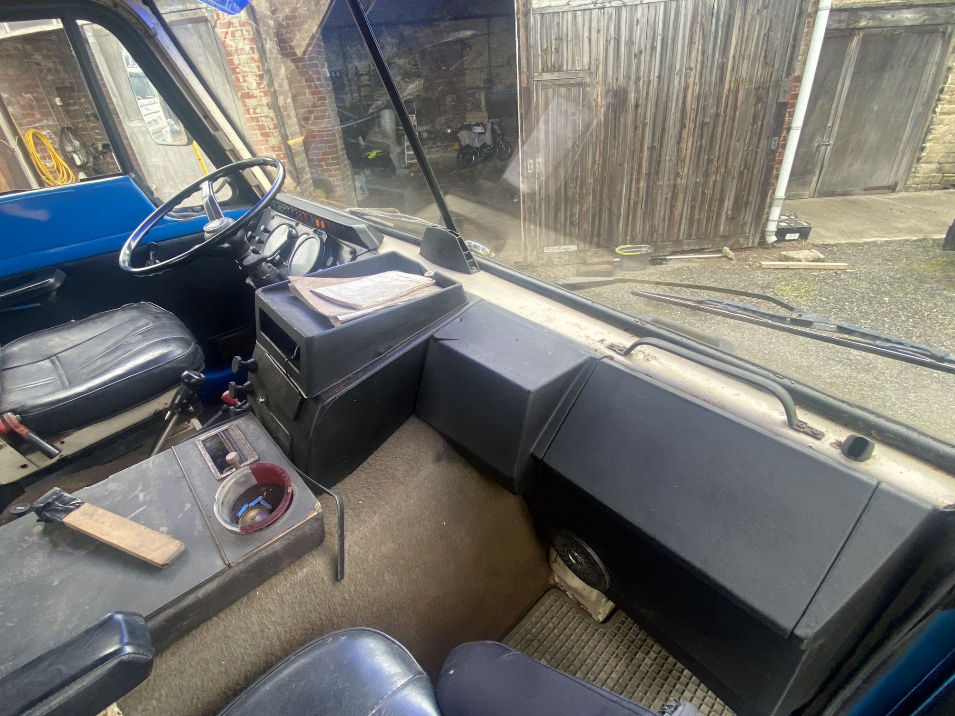 Volvo F89 4x2 Tractor Unit, 1975, left hand drive, (this vehicle does NOT have a V5) vendors - Image 16 of 19