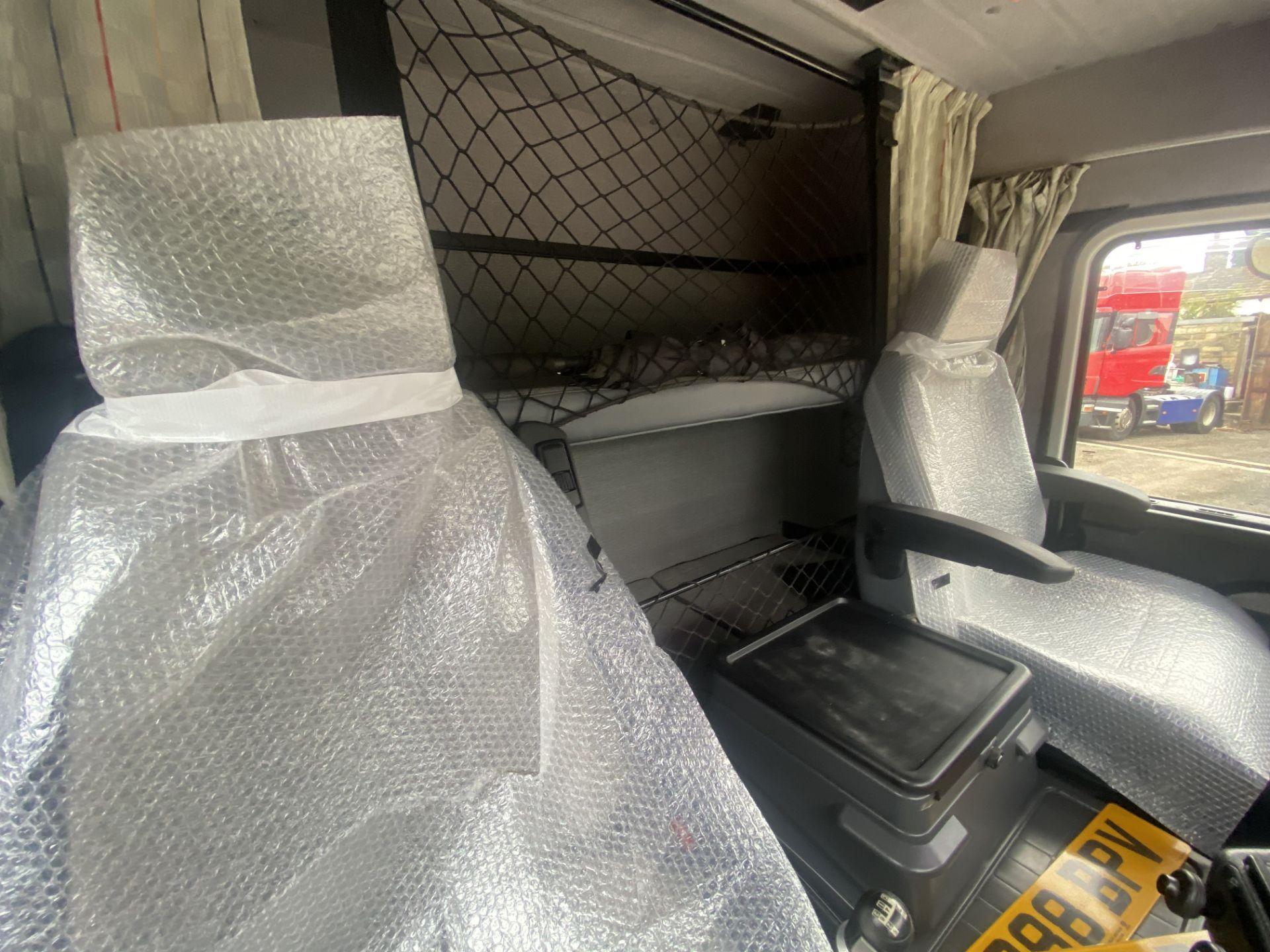 Scania 143M450 V8 4X2 TRACTOR UNIT, registration no. L288 BPV, date first registered 01/08/1993, - Image 16 of 20