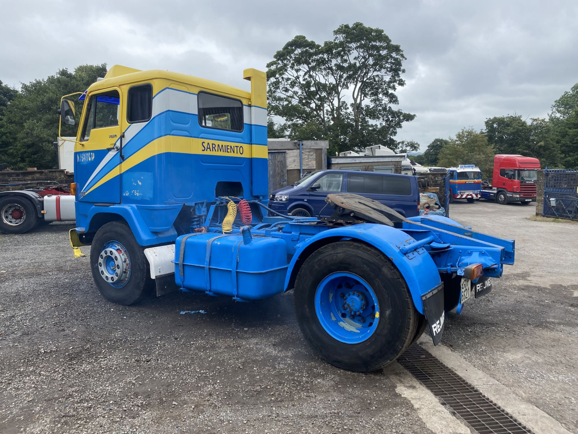 Volvo F89 4x2 Tractor Unit, 1975, left hand drive, (this vehicle does NOT have a V5) vendors - Image 4 of 19