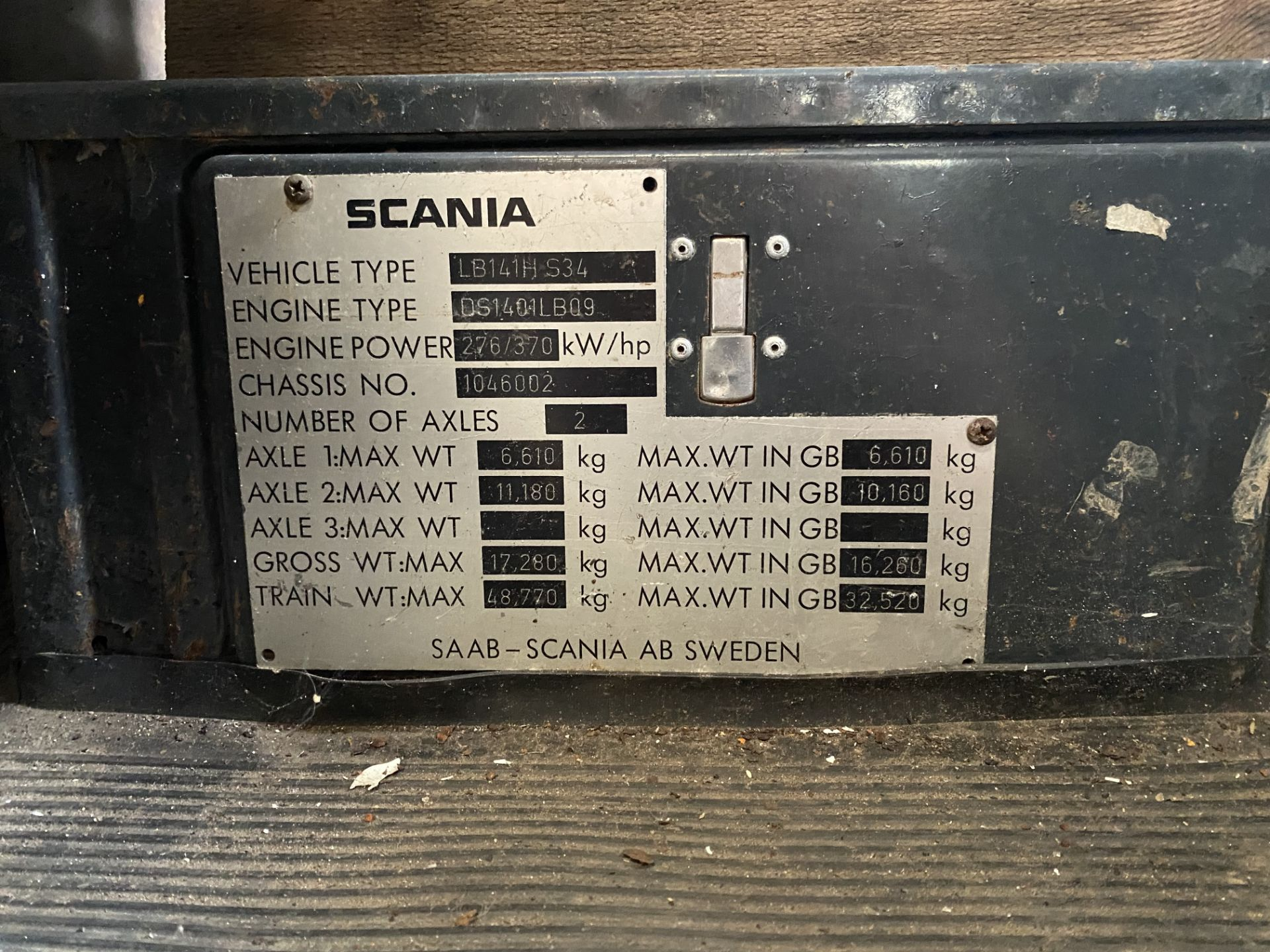 Scania 141 V8 4X2 TRACTOR UNIT, registration no. TFR 691X, date first registered 01/06/1982, cab - Image 12 of 12
